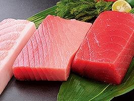 野菜や肉類、イカ・マグロといった水産物も豊富