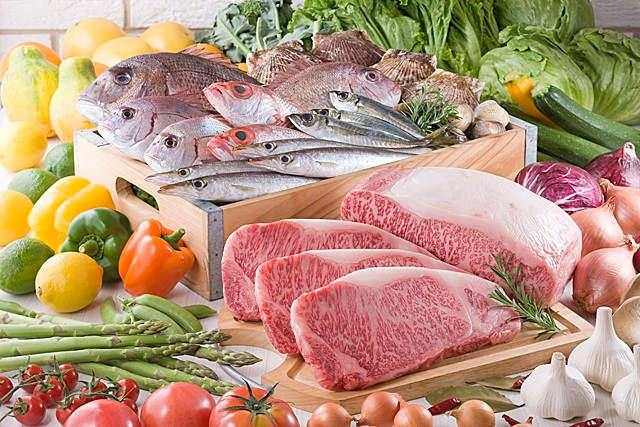 産地直送の業務用食材を仕入れるなら【ISPフーズ】へ~水産(サケ・エビ)、畜産(馬刺し・ベーコン)、生鮮(にんじん・ピーマン)など種類豊富!~